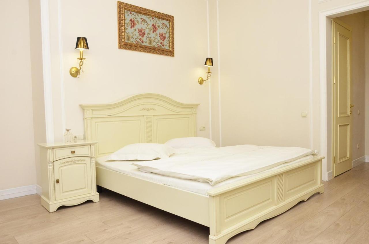 Апарт-отель  Hotel Menshikov