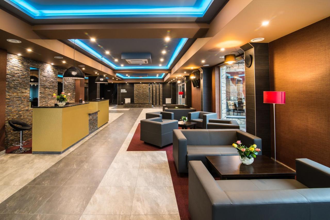 Отель  Hotel Atena  - отзывы Booking