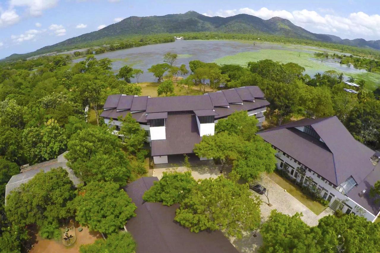 Отель  Tamarind Lake  - отзывы Booking