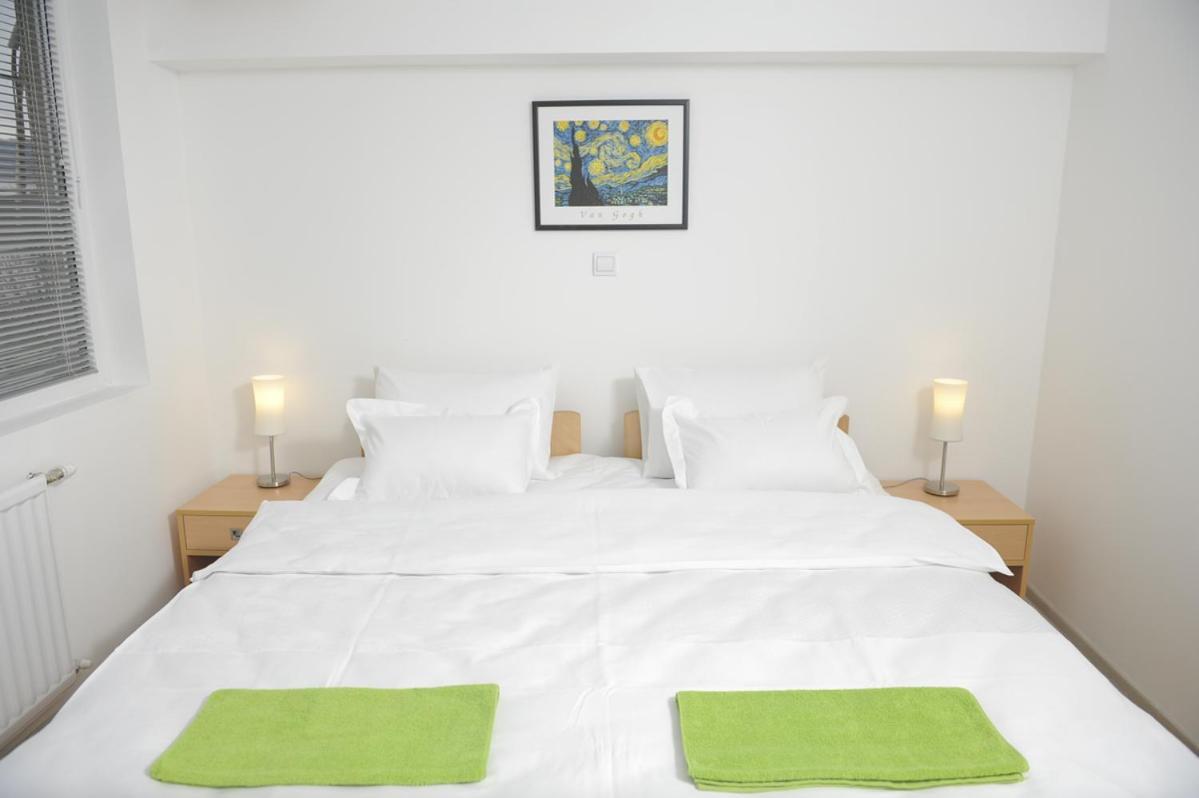 Отель типа «постель и завтрак»  Bed and Breakfast Park GM 032  - отзывы Booking