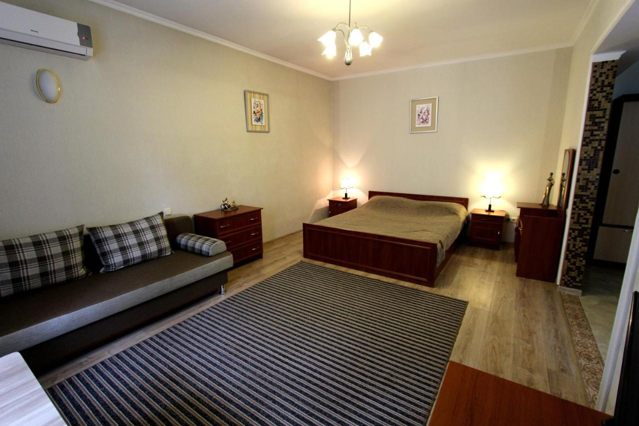 Апартаменты/квартира  Nadezhda Apartment On Nauryzbay Batyra 37/1