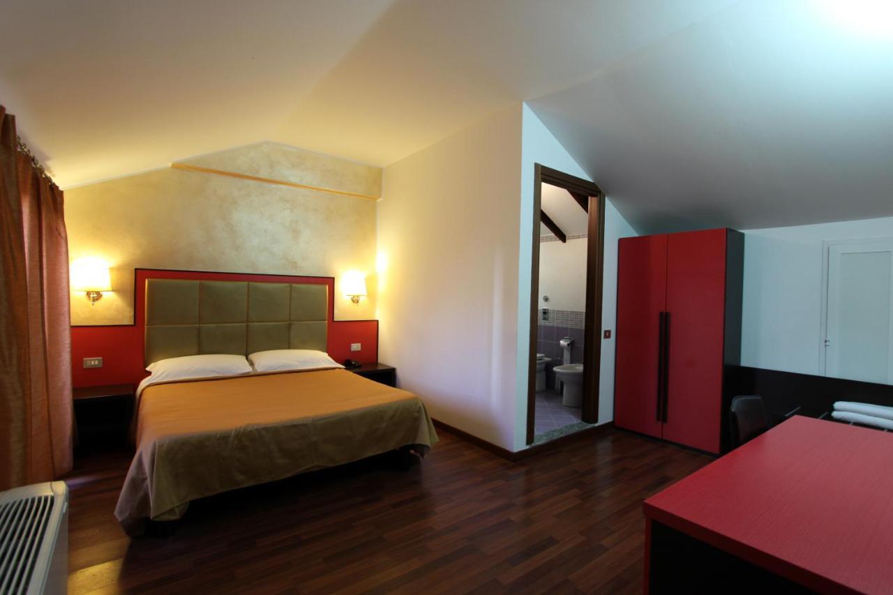 Отель  Lux Hotel Durante  - отзывы Booking