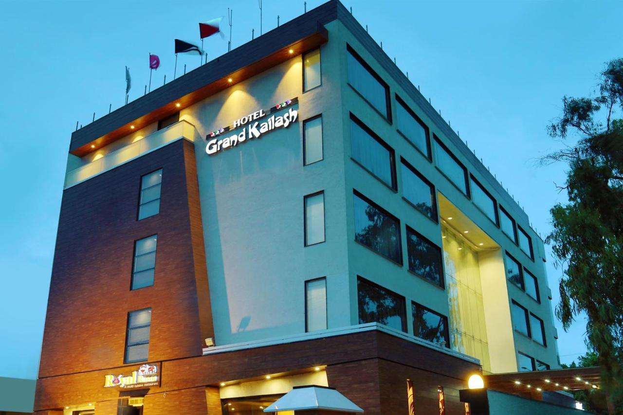 Отель  Grand Kailash Hotel