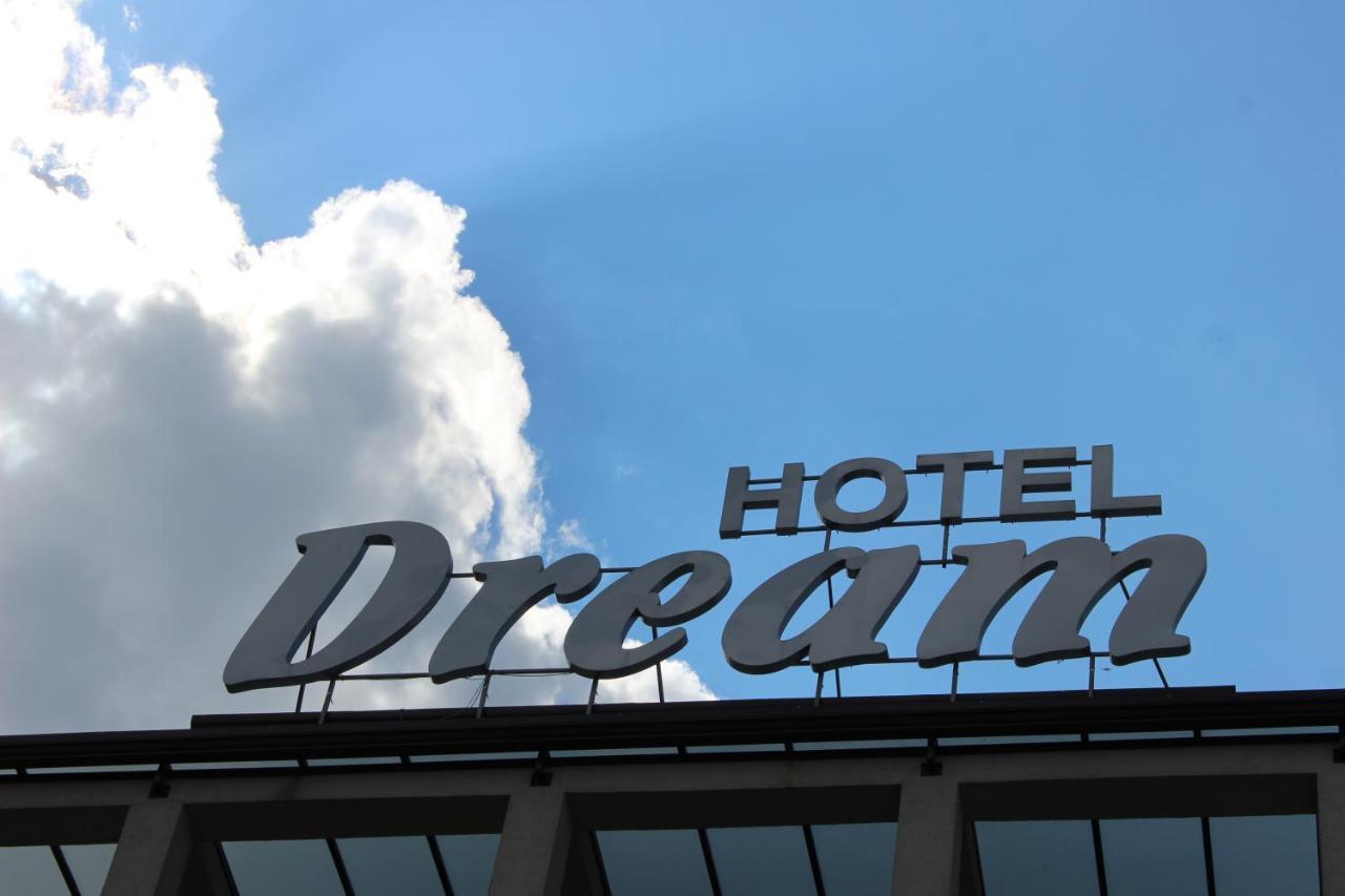 Отель  Hotel Dream