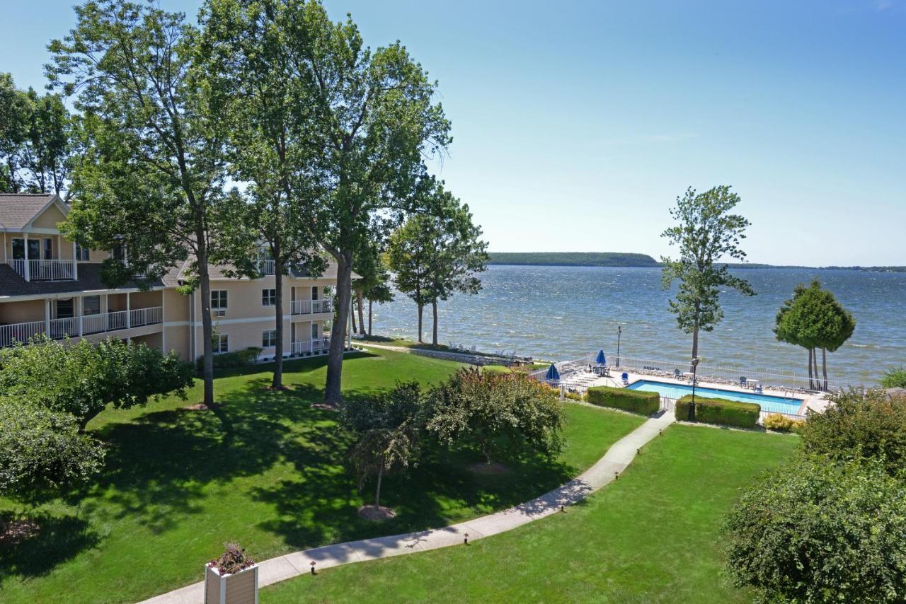 Курортный отель  Westwood Shores Waterfront Resort  - отзывы Booking