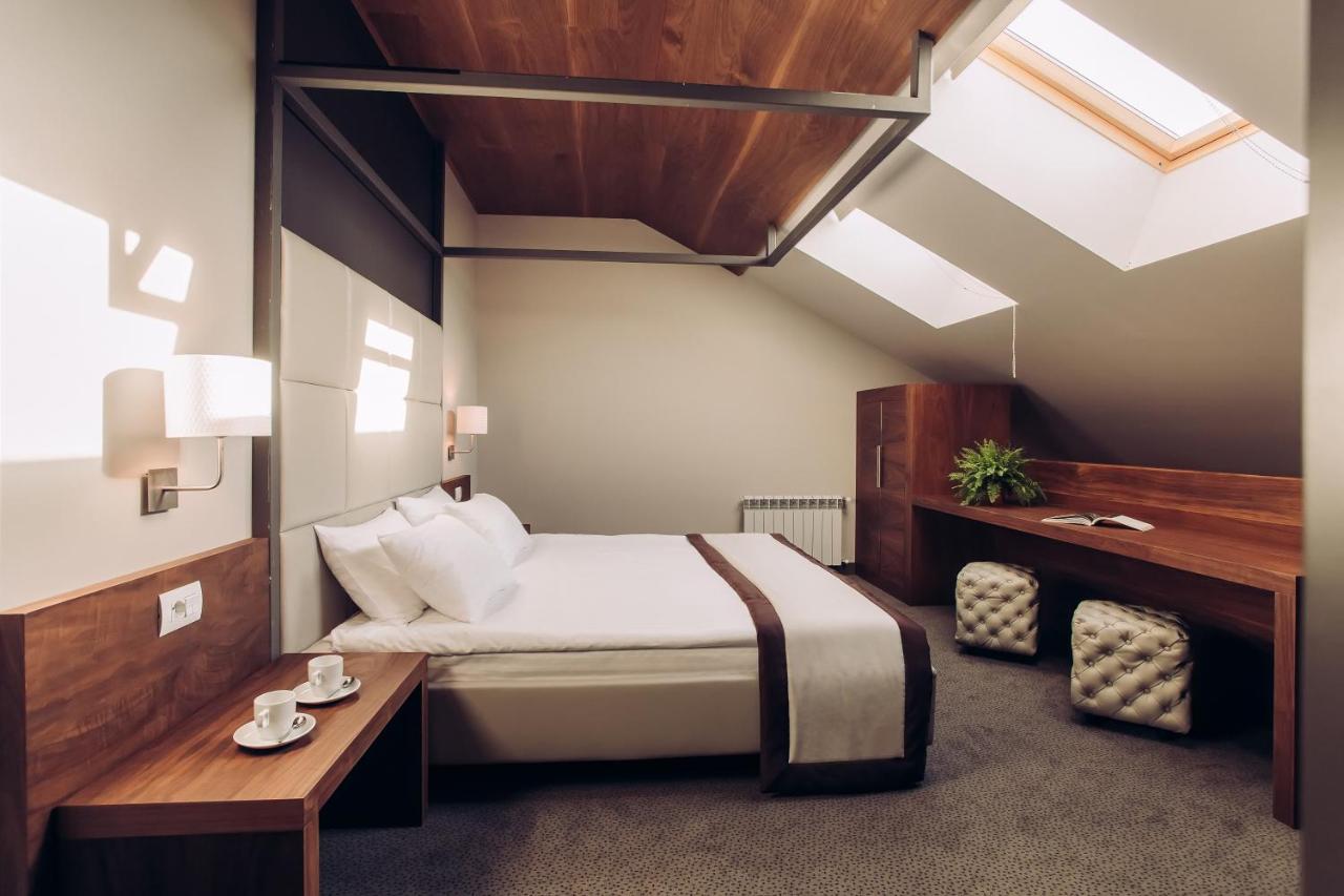 Отель  UNO Дизайн Отель  - отзывы Booking