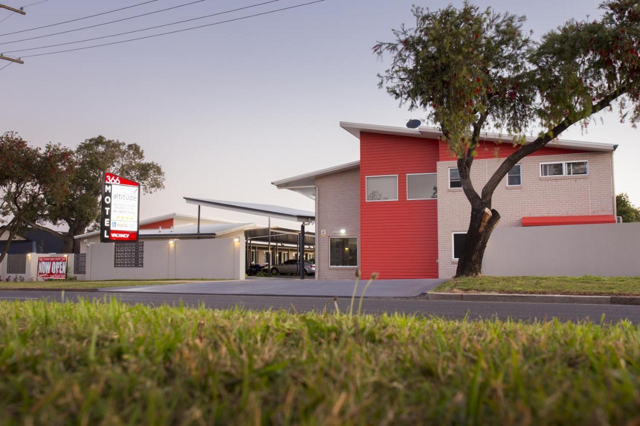 Мотель  Altitude Motel Apartments  - отзывы Booking