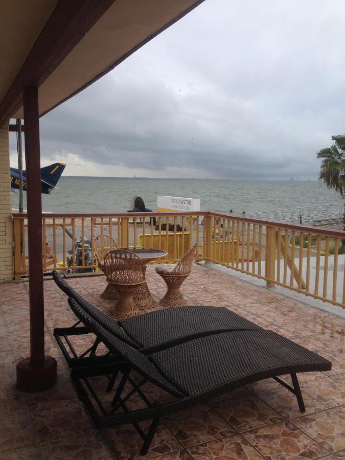 Отель  Отель  Capri Beach Hotel