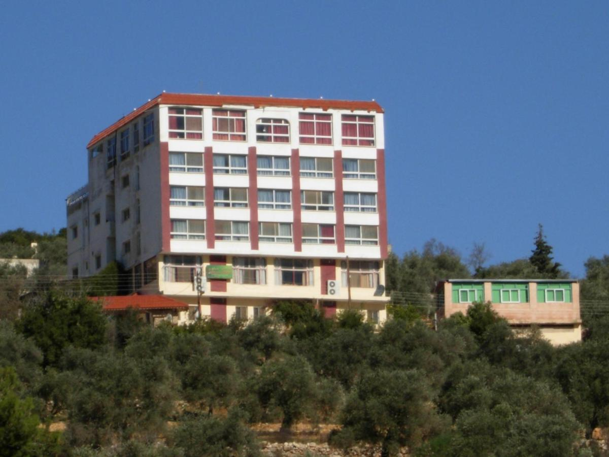 Hotels In Ad Dayr