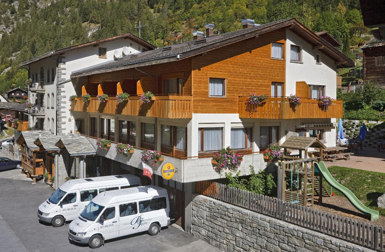 Отель Hotel Bergfreund - отзывы Booking
