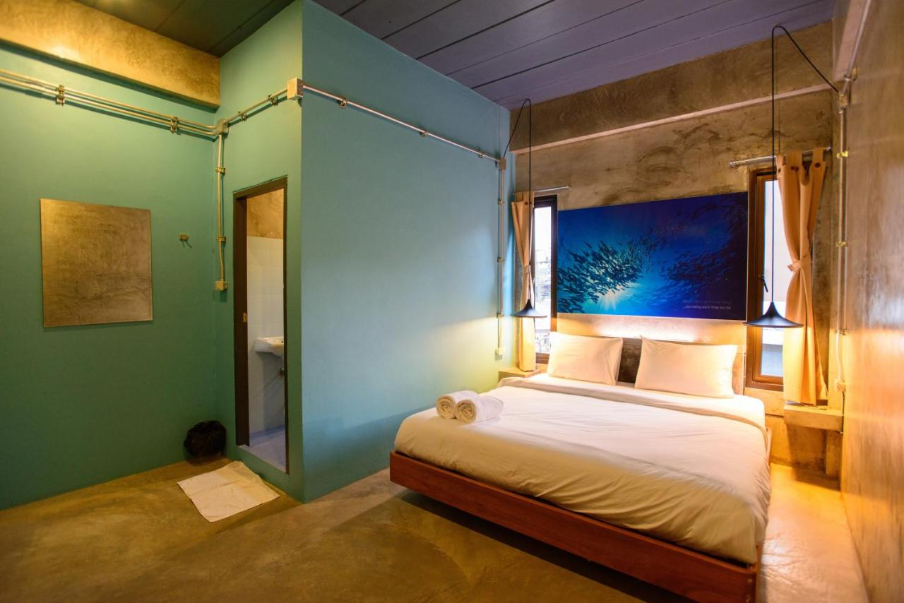Хостел  Seabox Khaolak Hostel