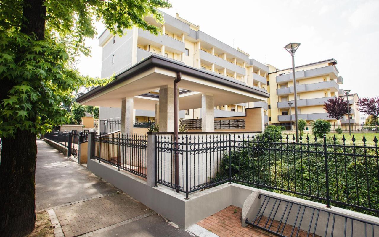 Апарт-отель  HQ Aparthotel Milano Inn - Smart Suites