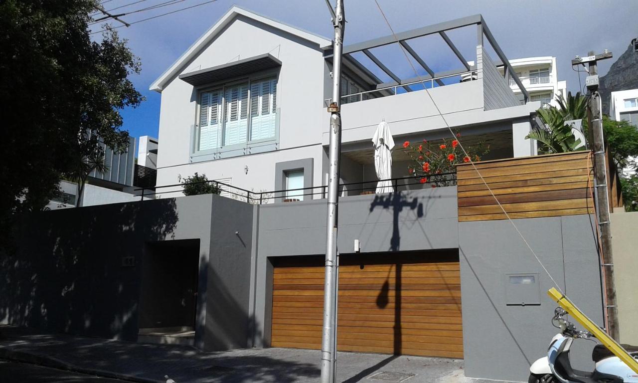 Апартаменты/квартиры  Camps Bay Apartment