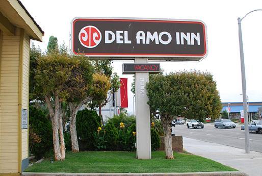 Мотель  Del Amo Inn  - отзывы Booking