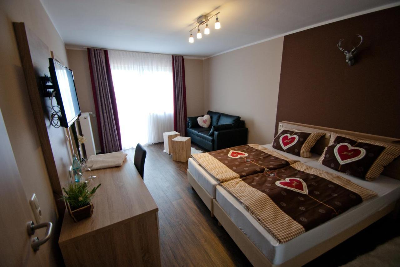 Гостевой дом  Schenk´s Landgasthof  - отзывы Booking