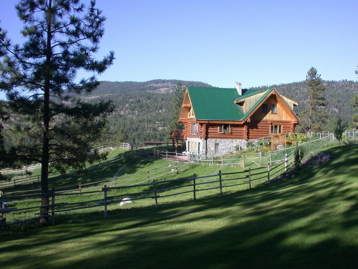 Отель типа «постель и завтрак»  Wildhorse Mountain Guest Ranch Bed & Breakfast