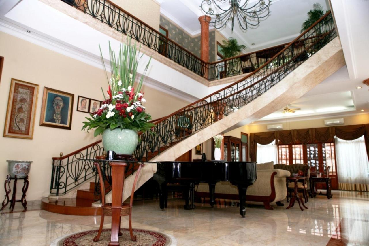Проживание в семье  Проживание в семье  Pesona Guest House Jakarta