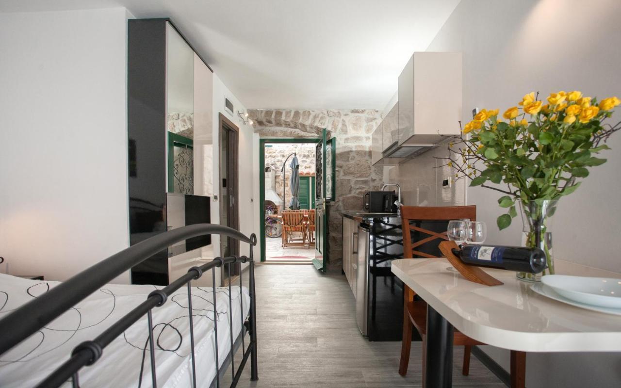 Апартаменты/квартиры  Apartments & Room Kartolina