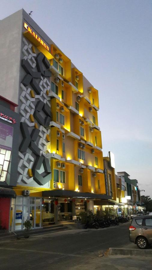 Отель Отель Kaliban Hotel Batam