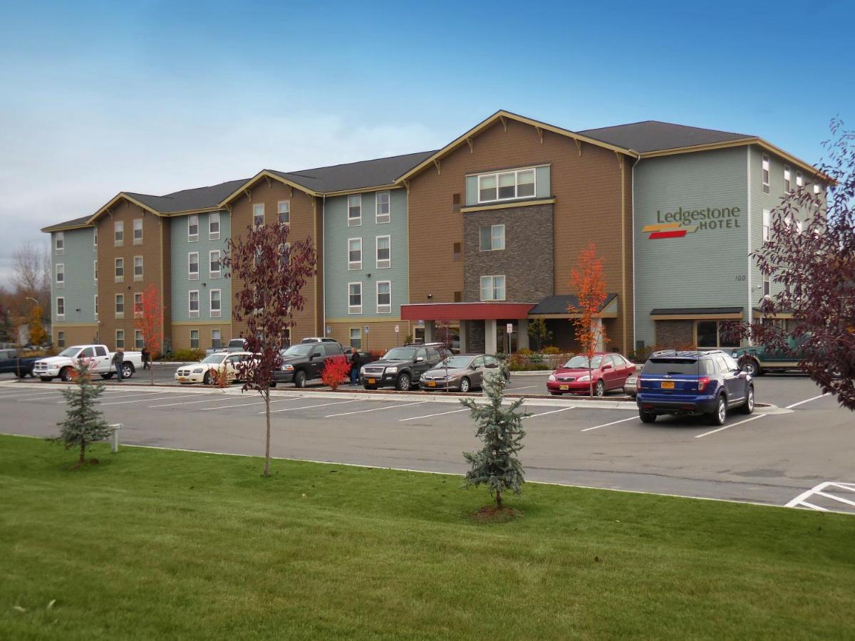 Отель  Ledgestone Hotel Elko  - отзывы Booking
