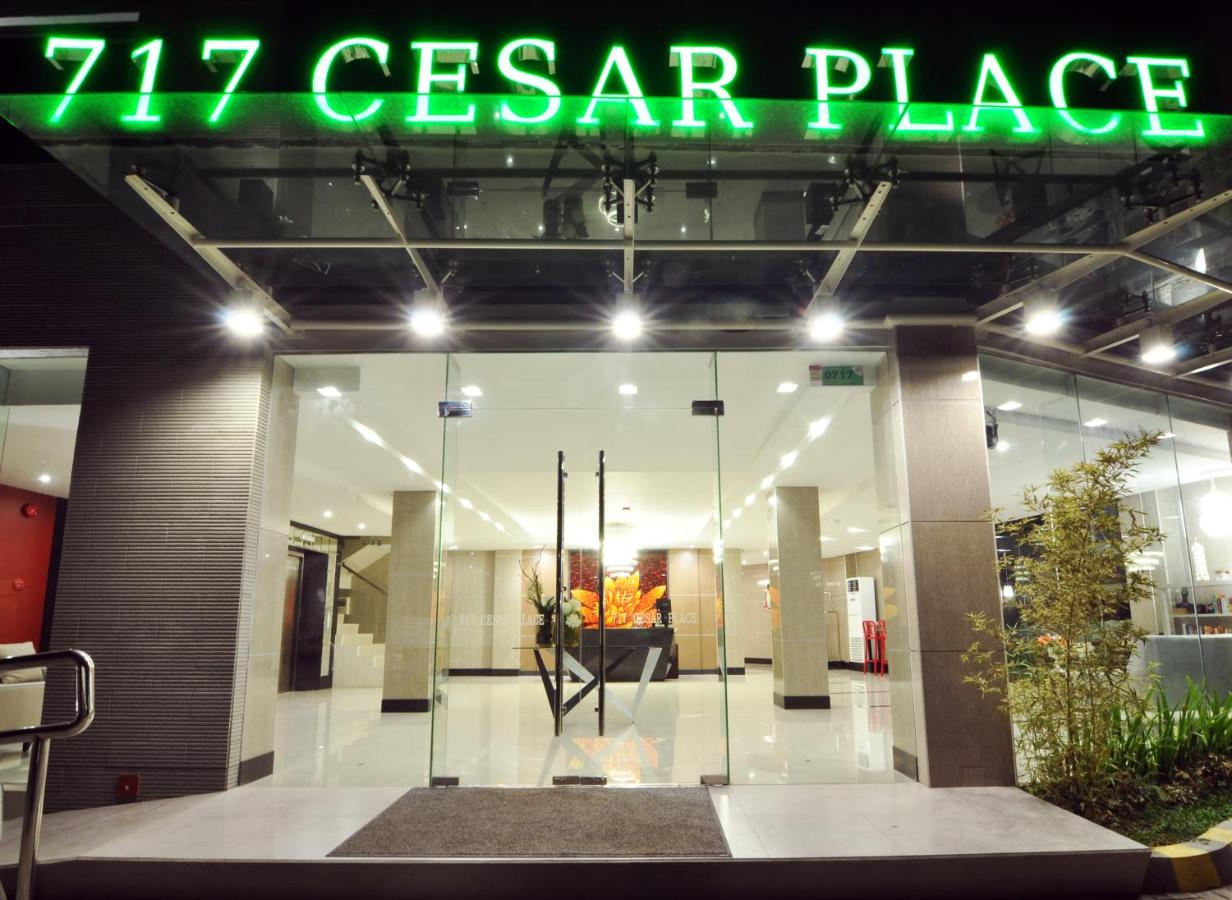 Отель  717 Cesar Place Hotel  - отзывы Booking