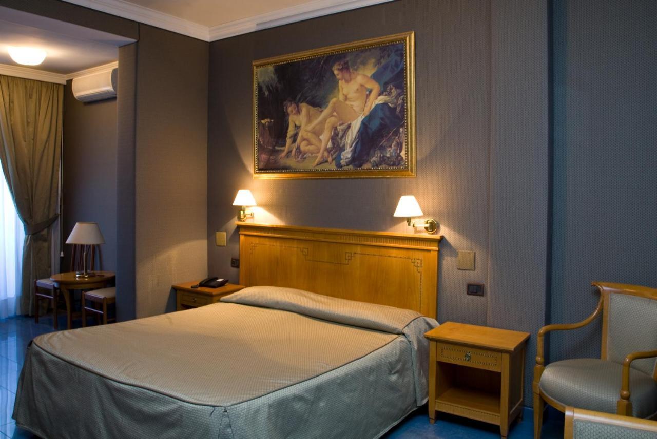 Отель  Hotel Rimini