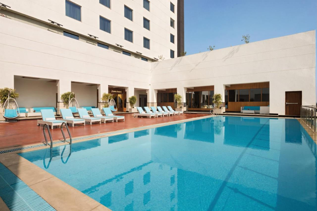 Отель  Отель  Ramada Plaza By Wyndham Agra