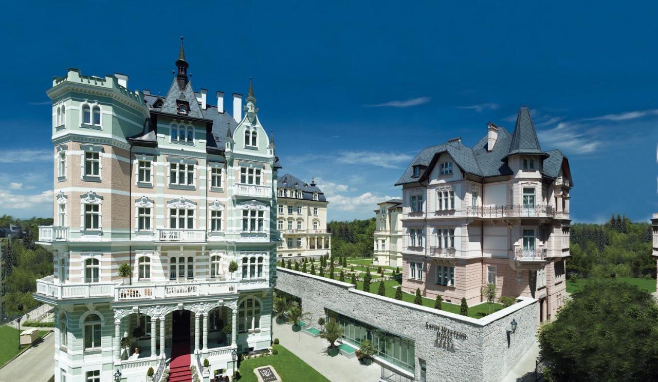Отель  Savoy Westend Hotel