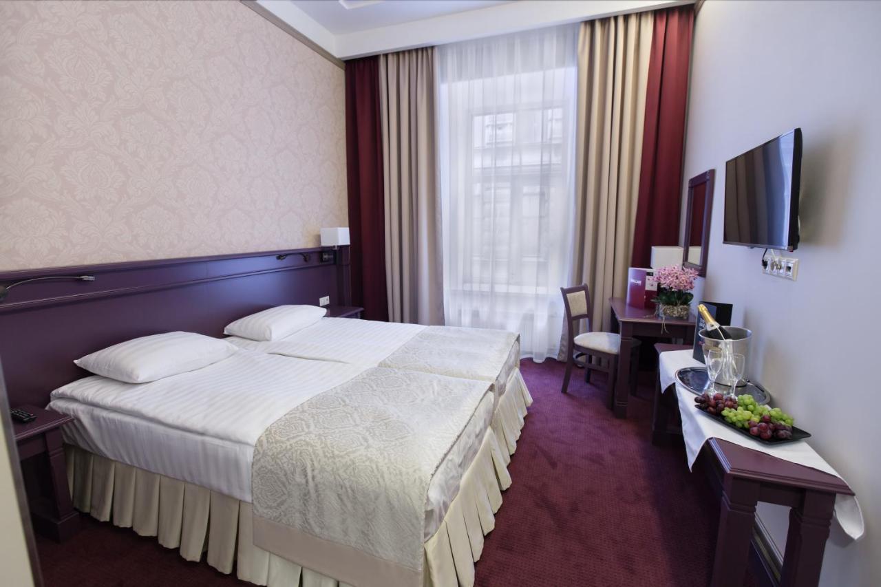 Отель Отель «Бридж»