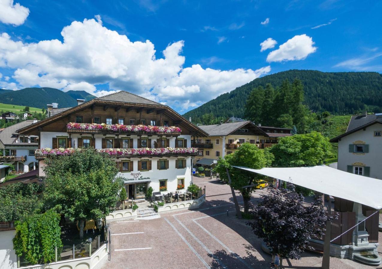 Отель  Hotel Weisses Lamm  - отзывы Booking