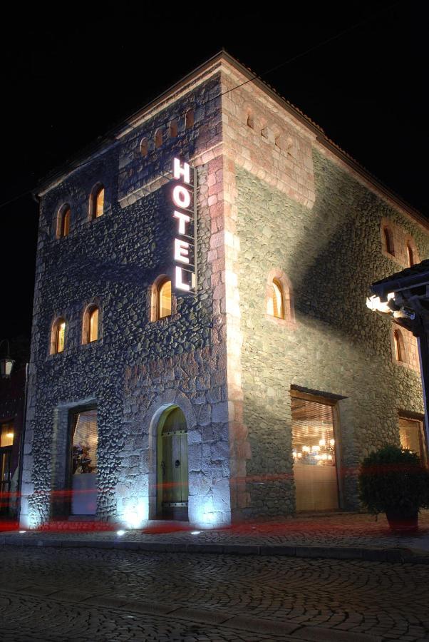 Отель Hotel Çarshia E Jupave