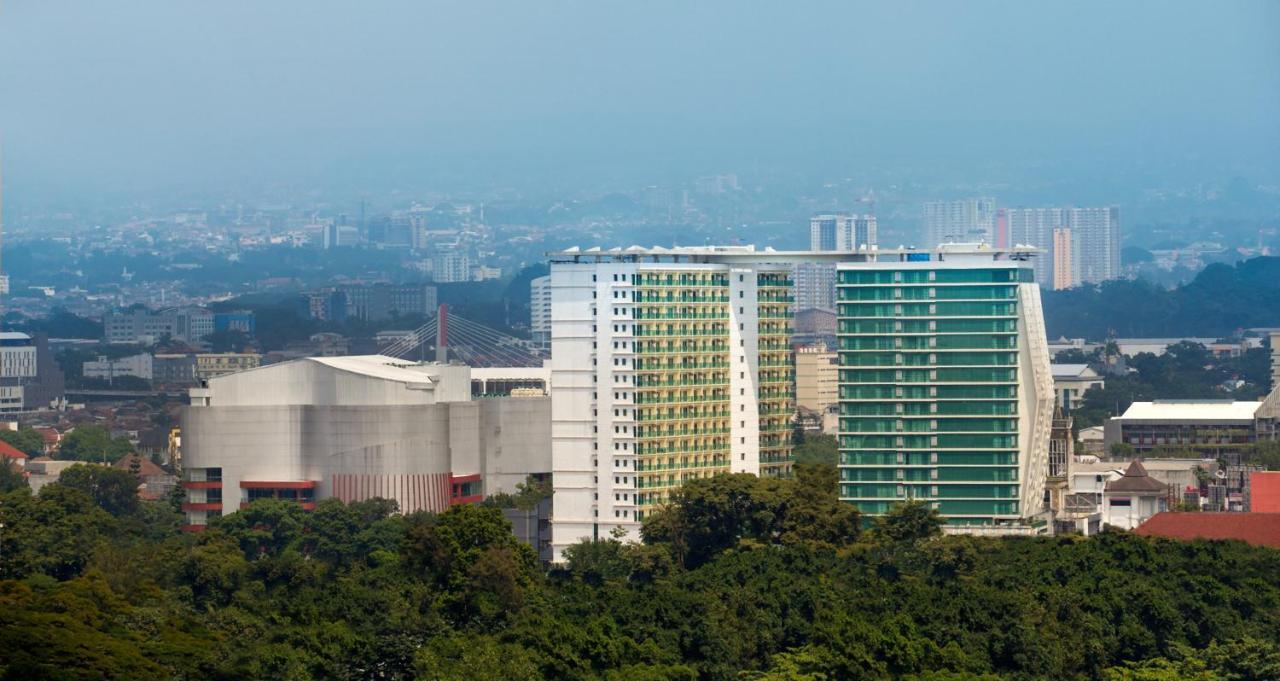 Отель  Отель  Best Western Premier La Grande Bandung