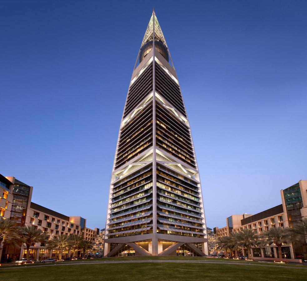 Отель  Al Faisaliah Suites