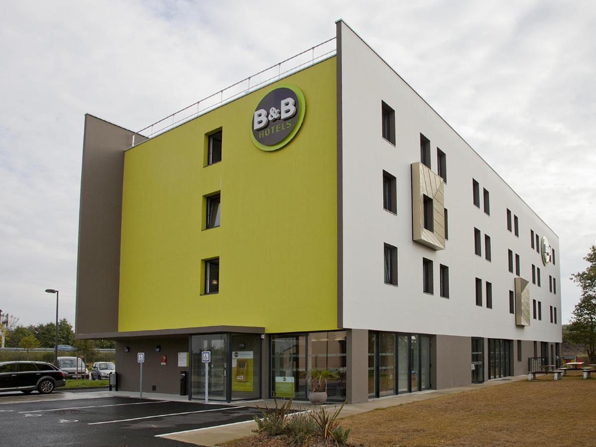 Отель  Hôtel B&B Nantes Savenay
