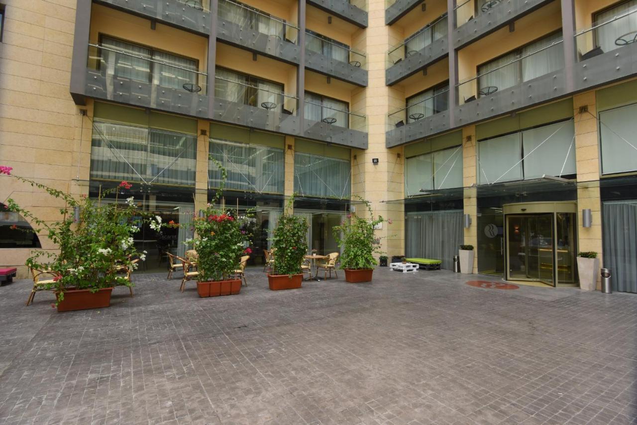 Отель  Отель  Ramada By Wyndham Downtown Beirut