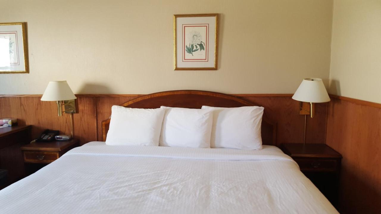 Отель  Sutton Park Inn  - отзывы Booking