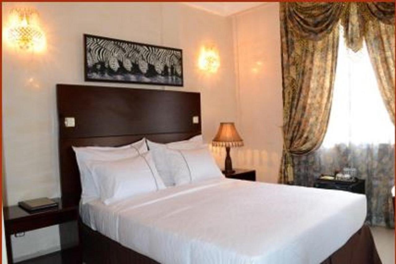 Отель  Отель  Hotel Africa
