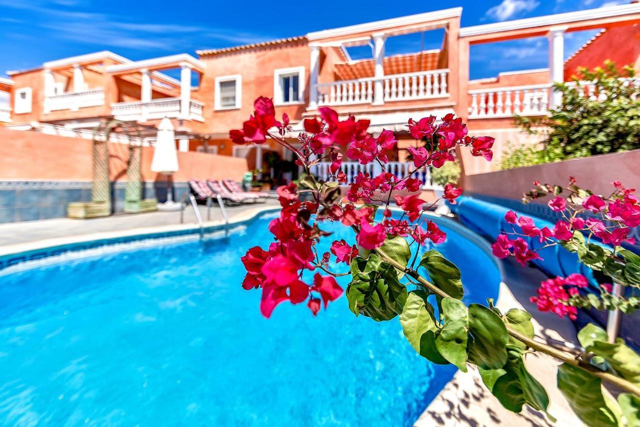 Вилла  Villa in Los Cristianos  - отзывы Booking