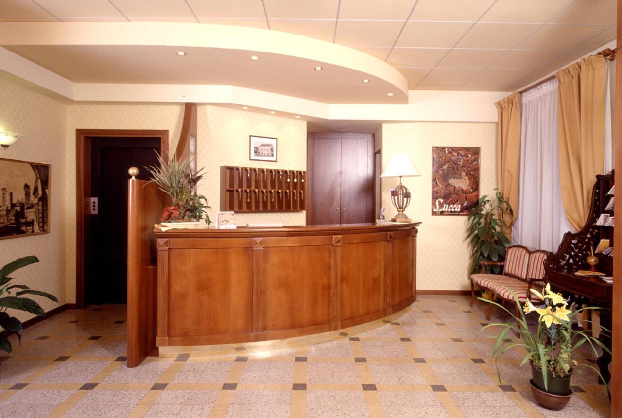 Отель  Hotel Melecchi