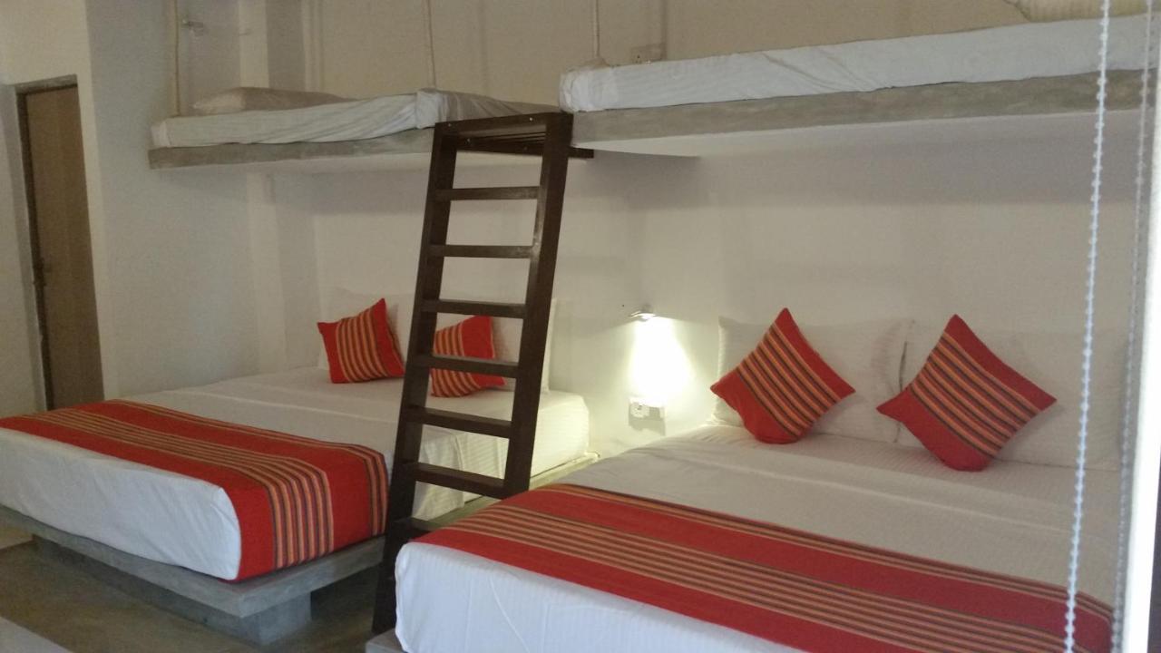 Проживание в семье  Kutumbaya Resort