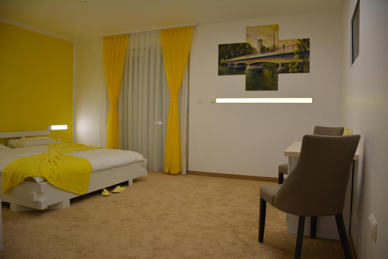 Отель  Hotel Vrata Bosne  - отзывы Booking