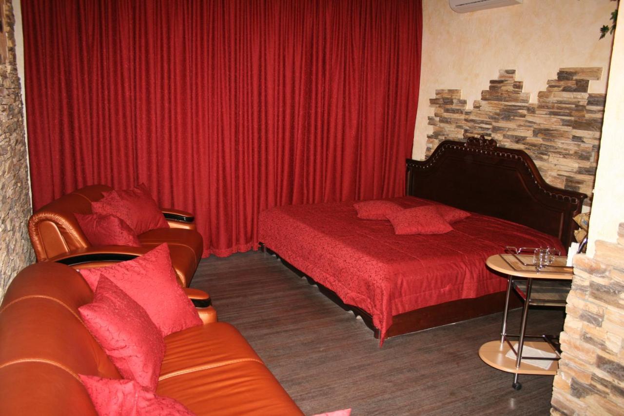 Отель типа «постель и завтрак» Отель Лидер