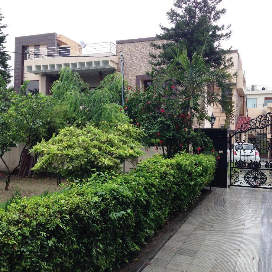 Отель типа «постель и завтрак»  Отель типа «постель и завтрак»  Luxurious Apartment - Chandīgarh