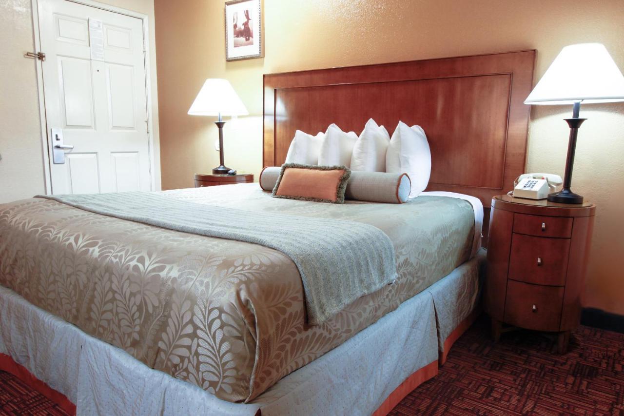 فنادق هيريتيج إن لا ميسا (أمريكا لا ميسا) - Booking.com