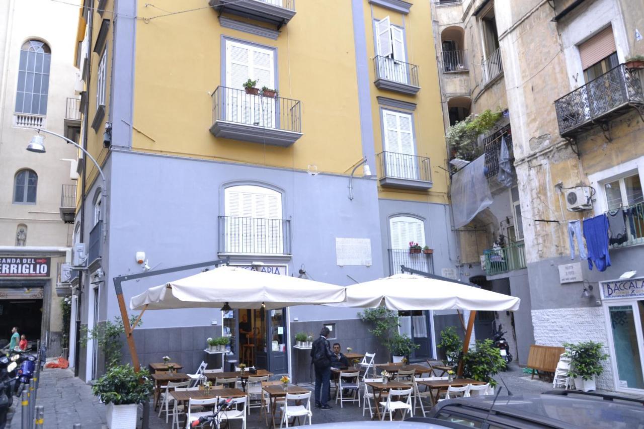 Via Sedile Di Porto 23.Appartamento Sedile Di Porto Italia Napoli Booking Com