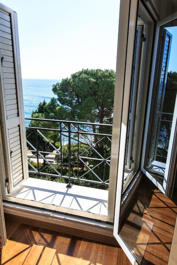 Апартаменты/квартиры LuxBeachFront - отзывы Booking