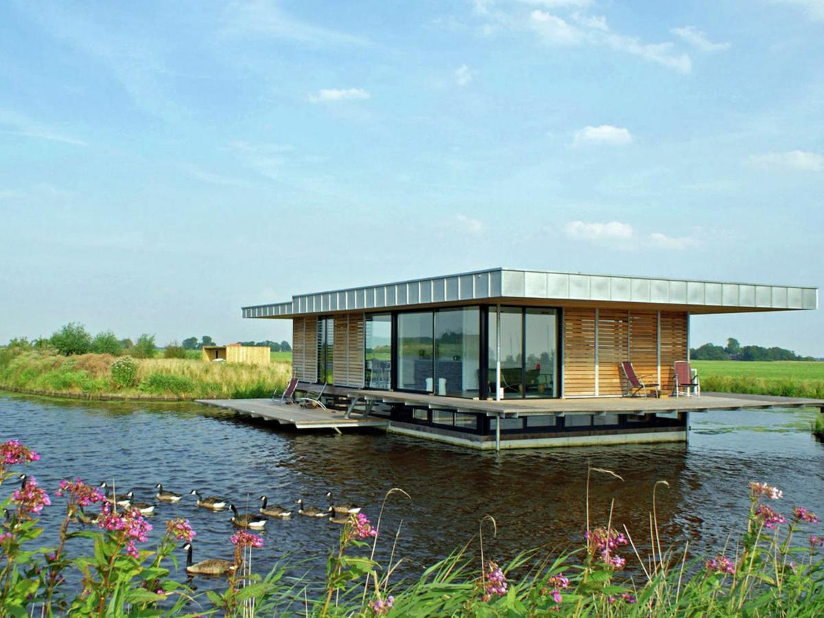 Фото Ботель Stunning House Boat in GoÃ«ngahuizen with Sauna