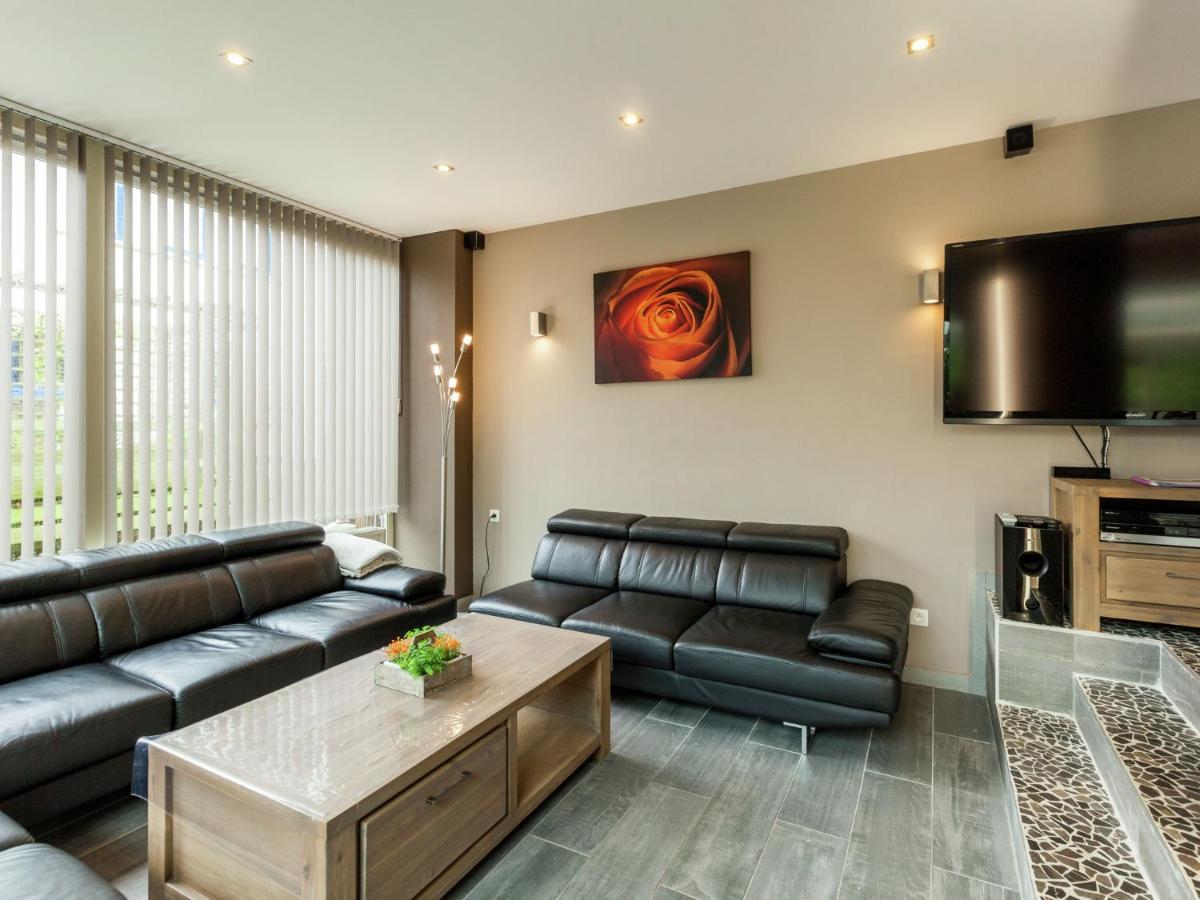 Вилла Luxury Villa with Sauna and Jacuzzi in Middelkerke - отзывы Booking