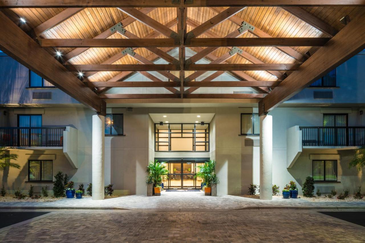 Отель  Отель  DoubleTree By Hilton Gainesville