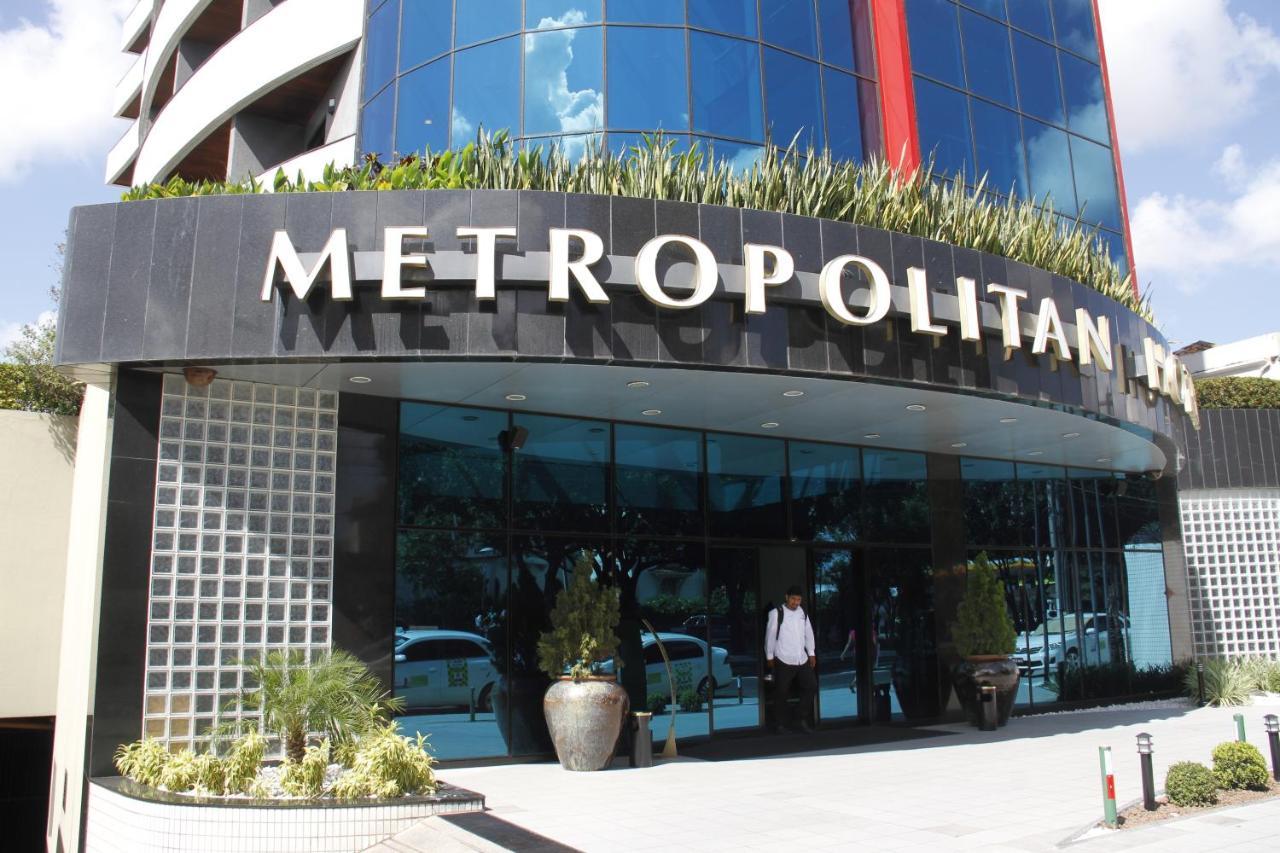 Отель Metropolitan Hotel